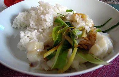 Тушеная тилапия с рисом