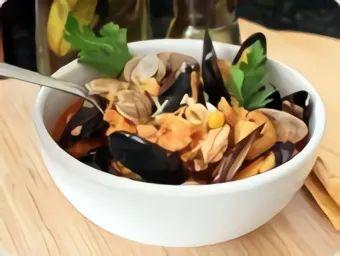 Рыбацкий суп с морепродуктами