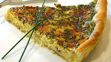 Cырный пирог с зеленью и чесноком