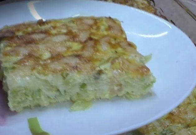Блюдо из кабачков и овощей (запеканка)